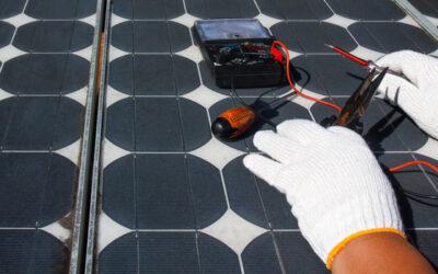 ¿Puedo almacenar energía en baterías solares?