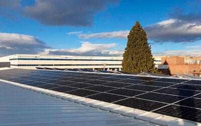 Instalación para autoconsumo fotovoltaico en las instalaciones de Cibeles Mailing SA